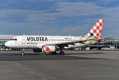 Volotea Airbus A319-111 EC-MUT (msn 2240)  PRG (Ton Jochems). Image: 943836.