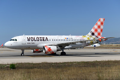 Volotea Airbus A319-112 EI-FMU (msn 2122) PMI (Ton Jochems). Image: 938360.