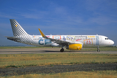 Vueling Airlines (Vueling.com) Airbus A320-232 WL EC-LZM (msn 5877) (Turismo Coruna) ORY (Jacques Guillem). Image: 937592.