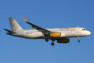 Vueling Airlines (Vueling.com) Airbus A320-232 WL EC-MDZ (msn 6377) LHR (SPA). Image: 937594.