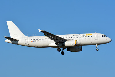 Vueling Airlines (Vueling.com) Airbus A320-232 EC-LQL (msn 1749) ZRH (Paul Bannwarth). Image: 937591.