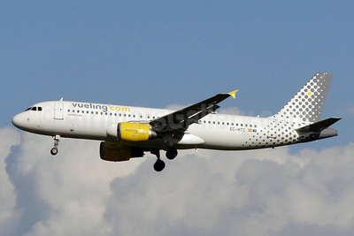 Vueling Airlines (Vueling.com) Airbus A320-214 EC-HTC (msn 1540) NTE (Paul Bannwarth). Image: 913366.