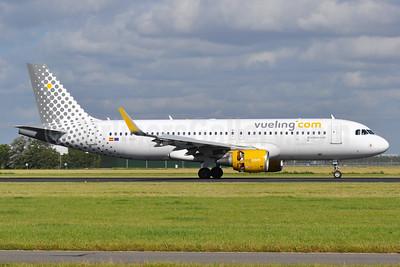 Vueling Airlines (Vueling.com) Airbus A320-214 WL EC-MAH (msn 6039) AMS (Tony Storck). Image: 937589.