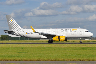 Vueling Airlines (Vueling.com) Airbus A320-232 WL EC-MDZ (msn 6377) AMS (Tony Storck). Image: 937593.