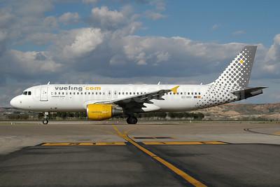 Vueling Airlines (Vueling.com) Airbus A320-214 EC-HZU (msn 1578) MAD (Ton Jochems). Image: 955355.