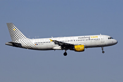 Vueling Airlines (Vueling.com) Airbus A320-214 EC-JTR (msn 2798) MAD (Ariel Shocron). Image: 902764.