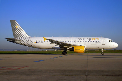 Vueling Airlines (Vueling.com) Airbus A320-214 EC-JFH (msn 2104) ORY (Pepscl). Image: 906241.