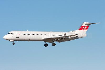 Air Express (Sweden) Fokker F.28 Mk. 0100 SE-DUU (msn 11286) ARN (Stefan Sjogren). Image: 940723.