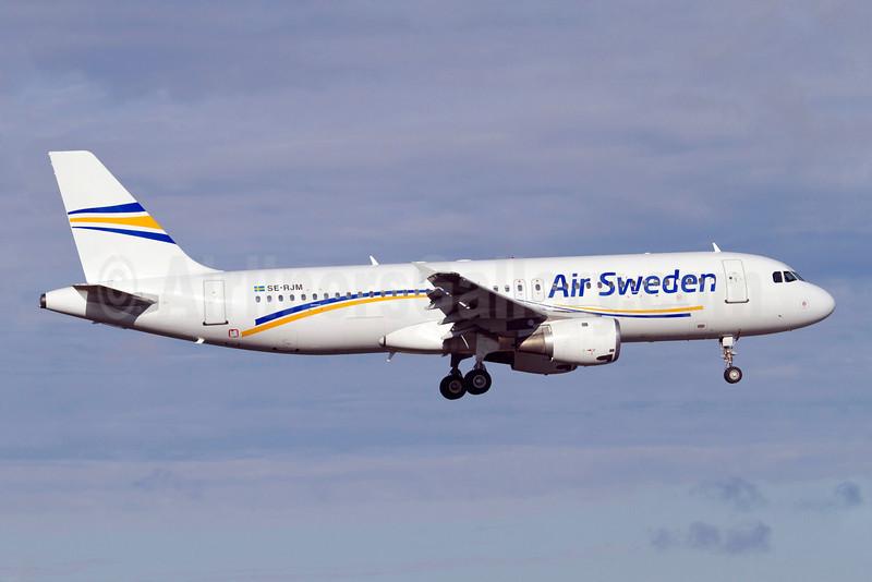 Air Sweden (2nd) Airbus A320-212 SE-RJM (msn 289) ARN (Stefan Sjogren). Image: 905377.