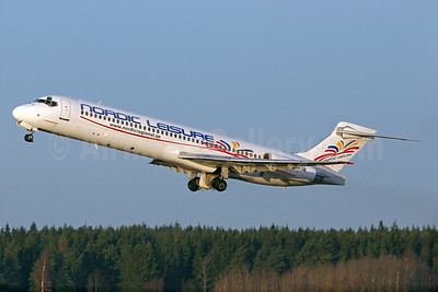 Nordic Leisure McDonnell Douglas DC-9-87 (MD-87) SE-RBA (msn 49402) ARN (Stefan Sjogren). Image: 935239.