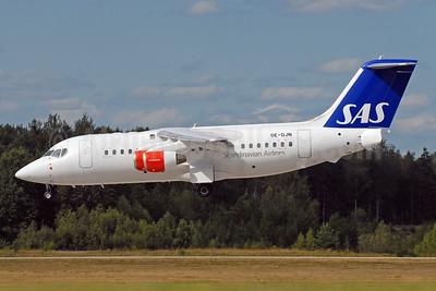 Scandinavian Airlines-SAS - Transwede Airways (2nd) BAe RJ85 SE-DJN (msn E2231) ARN (Harri Koskinen - Bruce Drum Collection). Image: 951101.