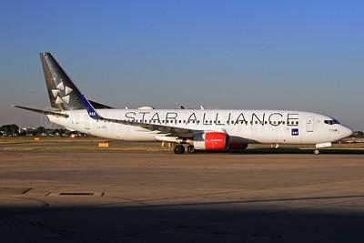 Scandinavian Airlines-SAS Boeing 737-883 LN-RRL (msn 28328) (Star Alliance) LHR. Image: 933983.