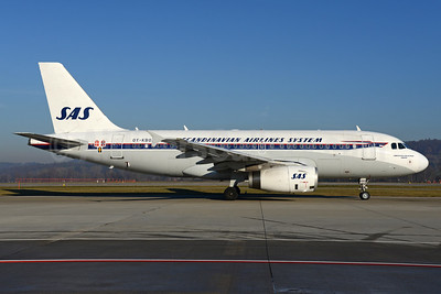 Scandinavian Airlines System-SAS (Scandinavian Airlines) Airbus A319-132 OY-KBO (msn 2850)  (1952 retrojet) ZRH (Rolf Wallner). Image: 936041.