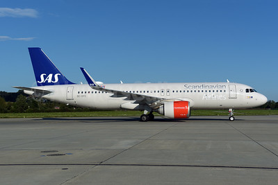 Scandinavian Airlines-SAS Airbus A320-251N WL SE-DYC (msn 7897) ZRH (Rolf Wallner). Image: 954954.