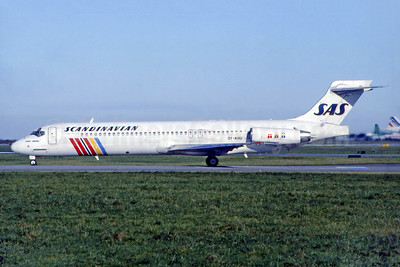 Scandinavian Airlines-SAS McDonnell Douglas DC-9-87 (MD-87) OY-KHU (msn 53336) DUB (SM Fitzwilliams Collection). Image: 923653.