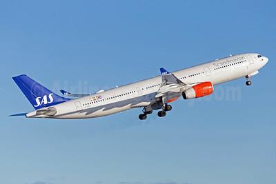 Scandinavian Airlines-SAS Airbus A330-343 LN-RKU (msn 1715) ARN (Stefan Sjogren). Image: 941253.
