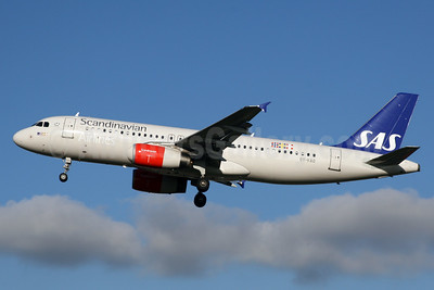 Scandinavian Airlines-SAS Airbus A320-232 OY-KAO (msn 2990) LHR (SPA). Image: 926486.