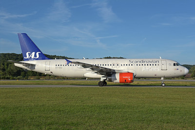 Scandinavian Airlines-SAS Airbus A320-232 OY-KAU (msn 3227) ZRH (Rolf Wallner). Image: 938569.