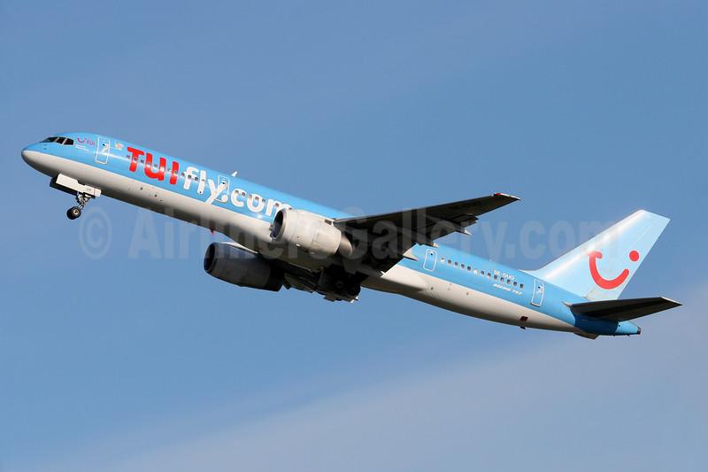 TUIfly.com (TUIfly Nordic) Boeing 757-236 SE-DUO (msn 24792) ARN (Stefan Sjogren). Image: 934516.