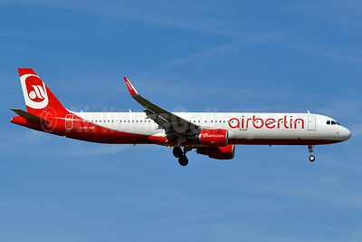 Airberlin (airberlin.com) (Belair Airlines) Airbus A321-211 WL HB-JOW (msn 6719) ZRH (Tony Storck). Image: 939166.