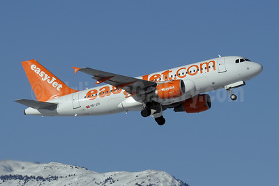 easyJet (easyJet.com) (Switzerland) Airbus A319-111 HB-JZI (msn 2245) GVA (Paul Denton). Image: 907372.