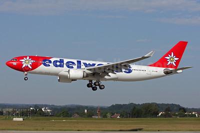 Edelweiss Air Airbus A330-223 HB-IQI (msn 291) ZRH (Andi Hiltl). Image: 912675.