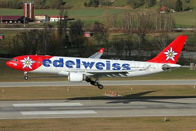 Edelweiss Air Airbus A330-223 HB-IQI (msn 291) ZRH (Andi Hiltl). Image: 931502.