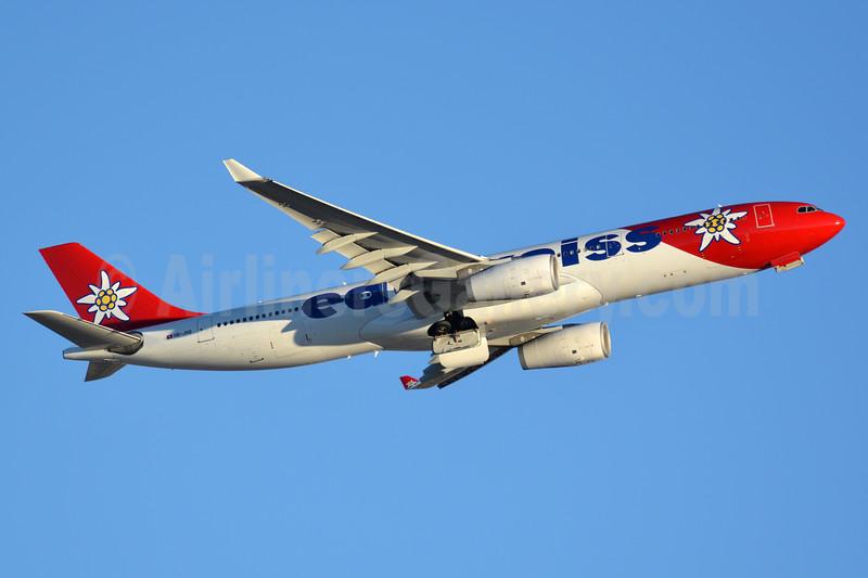 Edelweiss Air Airbus A330-343 HB-JHQ (msn 1193) LAS (Jay Selman). Image: 403553.