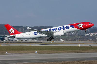 Edelweiss Air Airbus A330-343 HB-JHQ (msn 1193) ZRH (Andi Hiltl). Image: 906129.