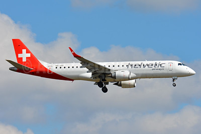 Helvetic Airways Embaer ERJ 190-100LR HB-JVQ (msn 19000420) ZRH (Paul Bannwarth). Image: 938363.