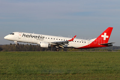 Helvetic Airways Embaer ERJ 190-100AR (IGW) HB-JVS (msn 19000265) ZRH (Andi Hiltl). Image: 946272.