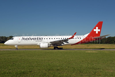 Helvetic Airways Embaer ERJ 190-100AR (IGW) HB-JVV (msn 19000071) ZRH (Rolf Wallner). Image: 946839.