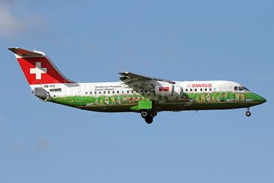 Swiss European Air Lines BAe RJ100 HB-IYS (msn E3381) (Shopping Paradise Zurich Airport) LHR (Michael B. Ing). Image: 910214.