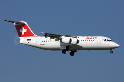 Swiss European Air Lines BAe RJ100 HB-IXU (msn E3276) ZRH (Andi Hiltl). Image: 911140.