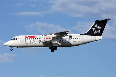 Swiss European Air Lines BAe RJ100 HB-IYU (msn E3379) (Star Alliance - 15 Years) ZRH (Andi Hiltl). Image: 911142.