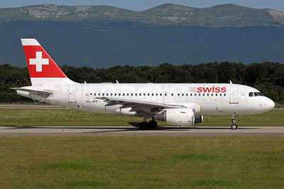 Swiss International Air Lines Airbus A319-112 HB-IPT (msn 727) GVA (Paul Denton). Image: 931900.