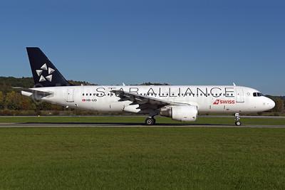 Swiss International Air Lines Airbus A320-214 HB-IJO (msn 673) (Star Alliance) ZRH (Rolf Wallner). Image: 943812.