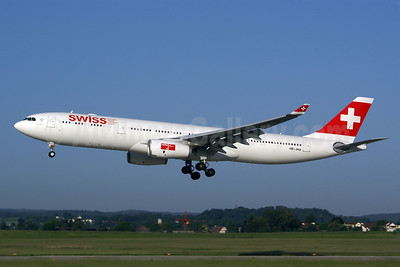 Swiss International Air Lines Airbus A330-343 HB-JHA (msn 1000) ZRH (Rolf Wallner). Image: 907005.