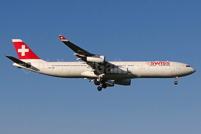 Swiss International Air Lines Airbus A340-313 HB-JMF (msn 561) ZRH (Paul Bannwarth). Image: 937146.