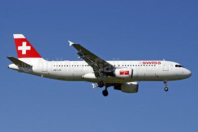 Swiss International Air Lines Airbus A320-214 HB-IJH (msn 574) ZRH (Paul Denton). Image: 910206.