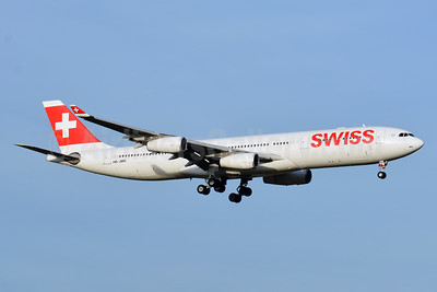 Swiss International Air Lines Airbus A340-313 HB-JMH (msn 585) ZRH (Paul Bannwarth). Image: 940913.
