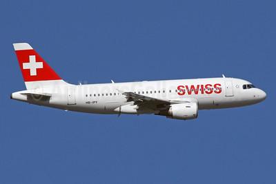 Swiss International Air Lines Airbus A319-112 HB-IPY (msn 621) LHR (SPA). Image: 929741.