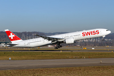 Swiss International Air Lines Boeing 777-3DE ER HB-JNC (msn 44584) ZRH (Andi Hiltl). Image: 936636.