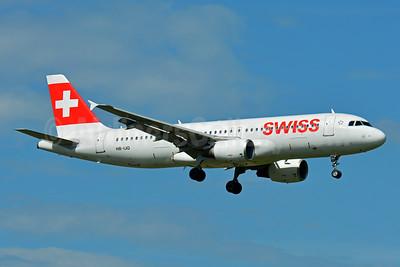 Swiss International Air Lines Airbus A320-214 HB-IJQ (msn 701) ZRH (Paul Bannwarth). Image: 935305.