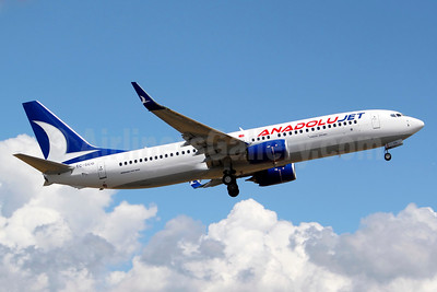 AnadoluJet (Turkish Airlines) Boeing 737-8AL TC-SCG (msn 40555) BFI (Joe G. Walker). Image: 930441.