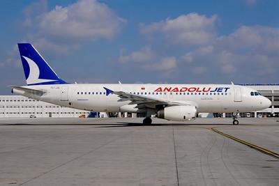 AnadoluJet (Turkish Airlines) Airbus A320-232 TC-JAI (msn 3259) AYT (Ton Jochems). Image: 911546.