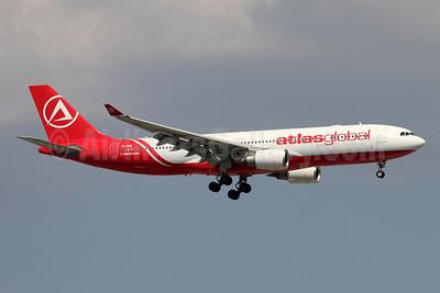 AtlasGlobal Airlines (Turkey) Airbus A330-203 TC-AGD (msn 819) AYT (Andi Hiltl). Image: 946931.