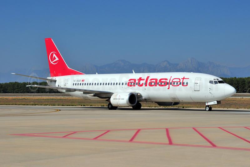 Atlasjet Airlines (Saga Airlines) Boeing 737-48E TC-SGD (msn 25773) AYT (Ton Jochems). Image: 906418.