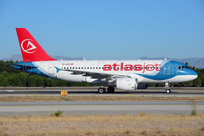 Atlasjet Airlines Airbus A319-112 TC-ATD (msn 1124) (Royal Falcon colors) AYT (Ton Jochems). Image: 913700.