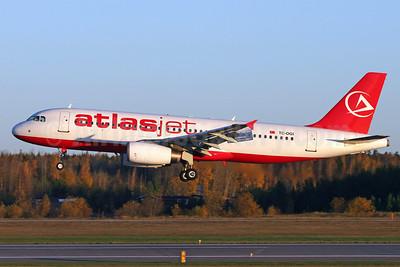 Atlasjet Airlines Airbus A320-232 TC-OGI (msn 640) (credit card) ARN (Stefan Sjogren). Image: 906417.